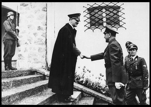 Hitler et le Catholique Ante Pavelic, le dirigeant fantoche Nazi de Croatie