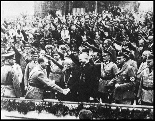 Le Catholique Hitler avec l'Évêque Catholique de Reich, Muller