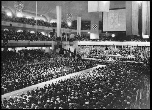 Célébration Nazie pour commémorer l'Évêque Catholique Konrad Praysing